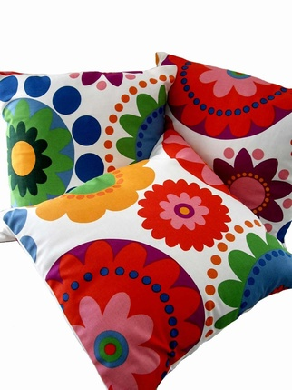 Scandinavian Retro flowers Cushion cover Living > Cushion covers